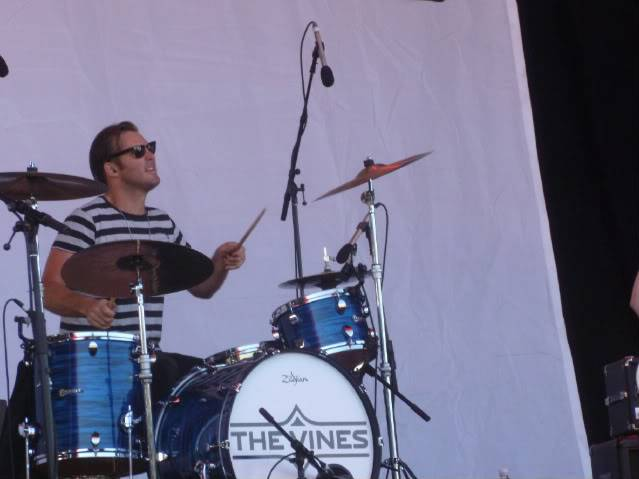 the vines-big bay out 2011. Ham