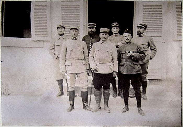 album photo d'un poilu (+ de 100 photos dans ce post ) .... ;) Officiers_modifies