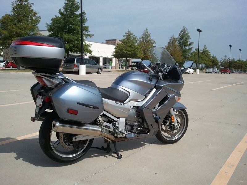 Pictures Yamaha FJR 1300 with Shad Cases 2012-08-16104009