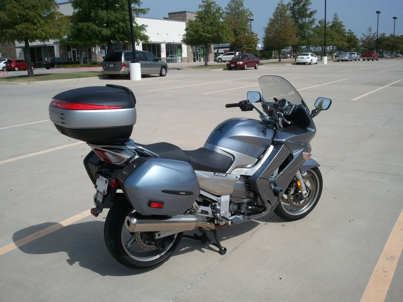 Pictures Yamaha FJR 1300 with Shad Cases 2012-08-16104014