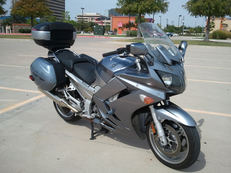 Pictures Yamaha FJR 1300 with Shad Cases 2012-08-16104034