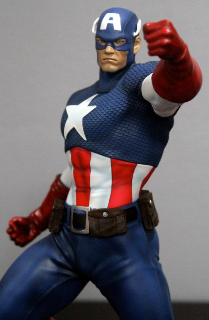 Premium Collectibles : Captain America - Comics Version IMG_4583_zps8eb58bf3