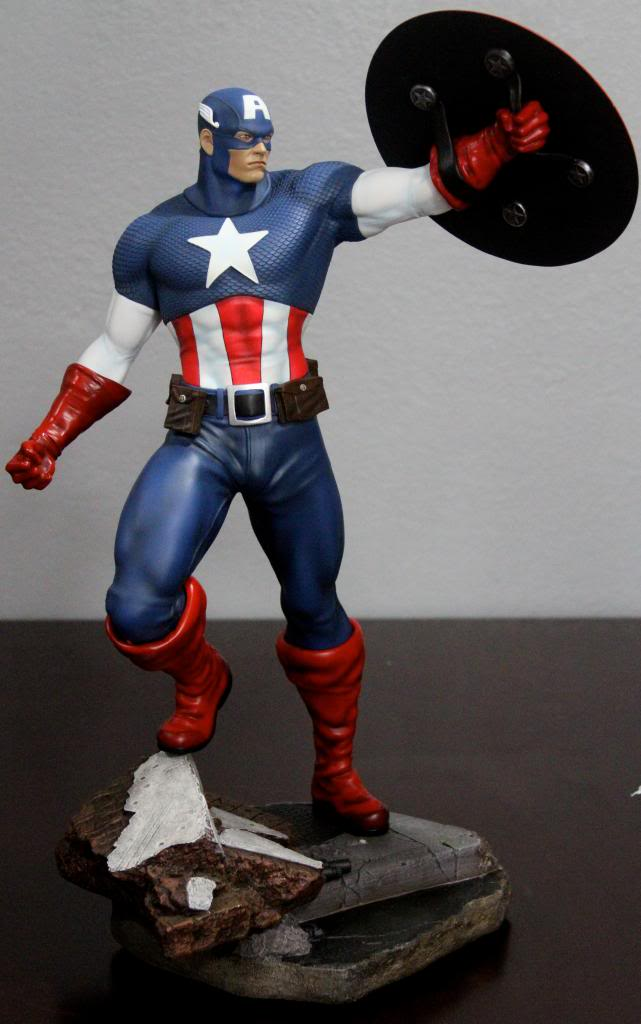Premium Collectibles : Captain America - Comics Version IMG_4588_zps00c49d5b