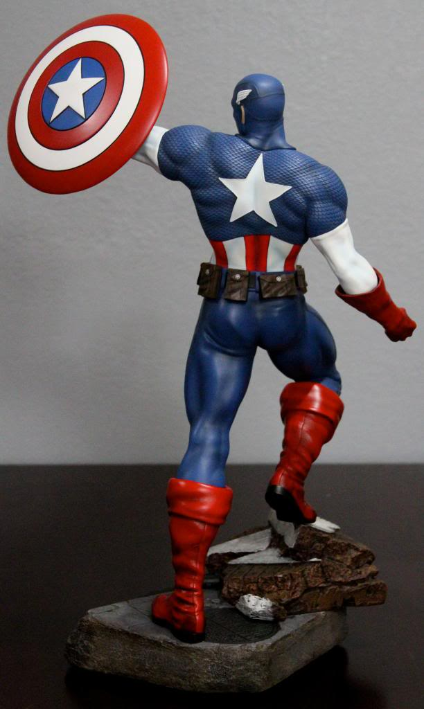 Premium Collectibles : Captain America - Comics Version IMG_4591_zps3e0fd2dd
