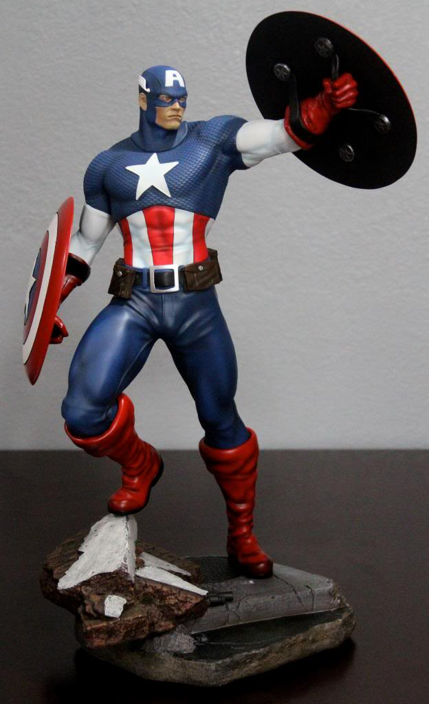Premium Collectibles : Captain America - Comics Version IMG_4594_zpsf5b4aee7