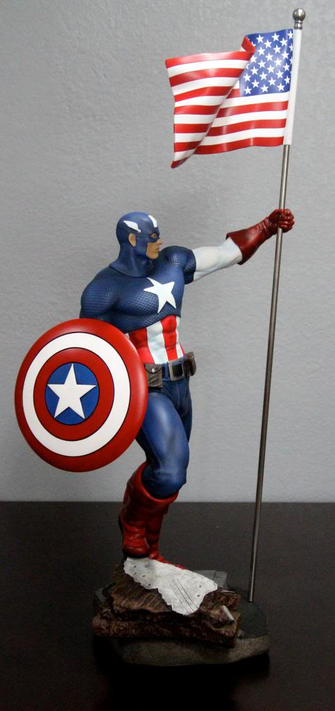 Premium Collectibles : Captain America - Comics Version IMG_4604_zps33aa5bef