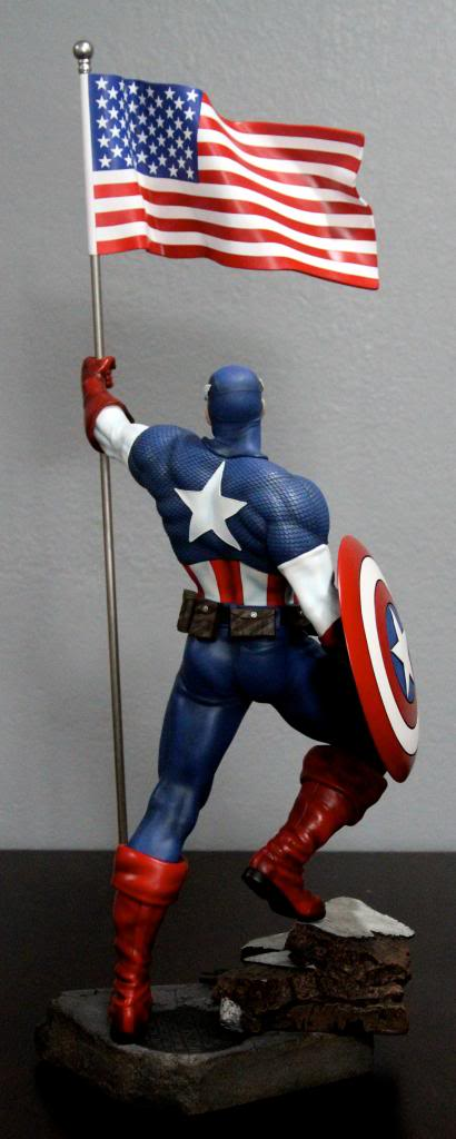 Premium Collectibles : Captain America - Comics Version IMG_4606_zps93b36816
