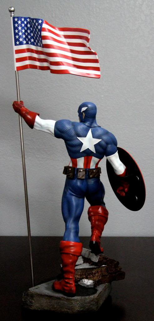 Premium Collectibles : Captain America - Comics Version IMG_4610_zpse6bc754d