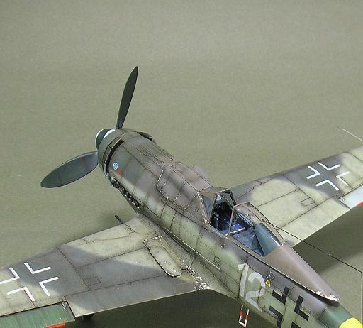 Fw-190 D-9 Eduard au 1/48 : P1011053