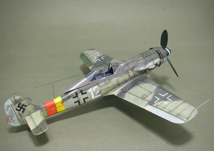 Fw-190 D-9 Eduard au 1/48 : P1011054