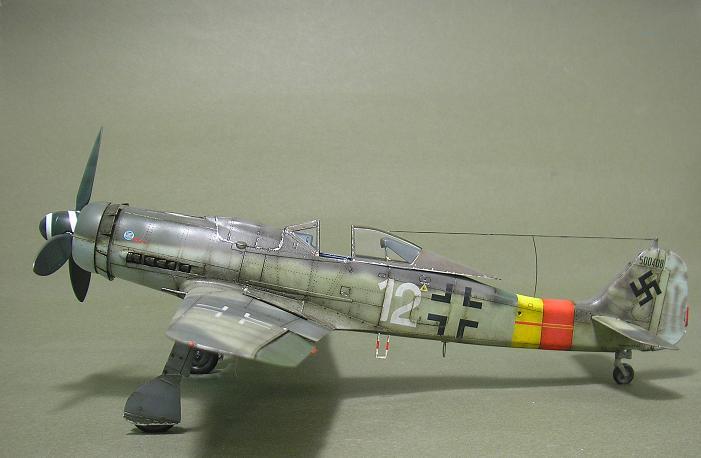 Fw-190 D-9 Eduard au 1/48 : P1011058