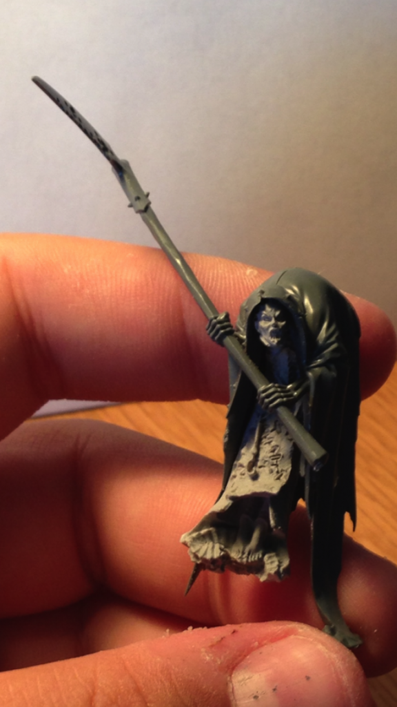 Looking for a way to convert a Cairn Wraith into my DE army... IMG_0449_zps3d36942a