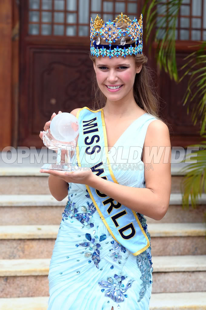 Mills - MISS WORLD 2010 - Alexandria Mills, United States W14