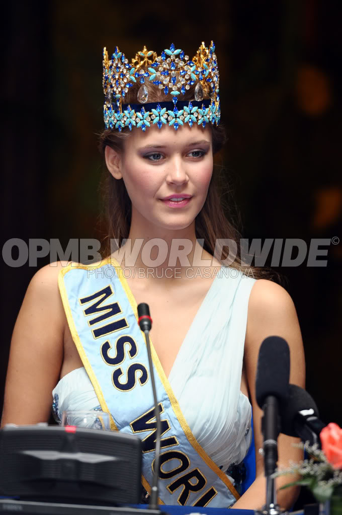 Mills - MISS WORLD 2010 - Alexandria Mills, United States W7