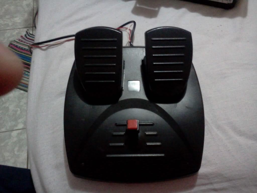 Utilizar um Pedal de um joystick de volante como pedal do leme IMG107