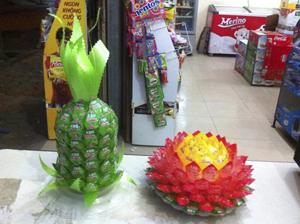 Quả dứa và hoa sen từ kẹo Oishi A1