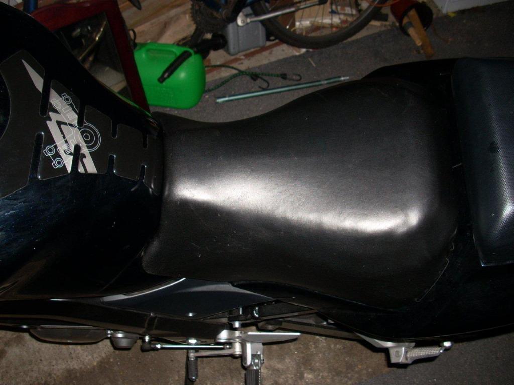 Riders Seat Reshape on Suzuki M50 / M800 DSCN27282