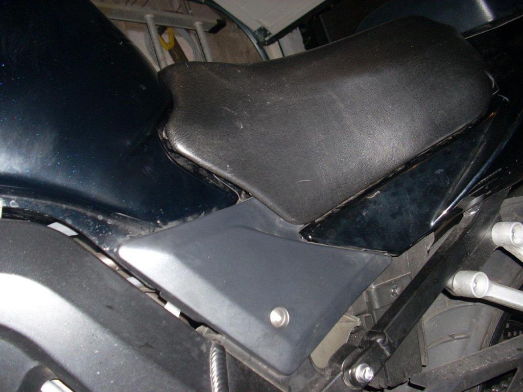 Riders Seat Reshape on Suzuki M50 / M800 DSCN27322