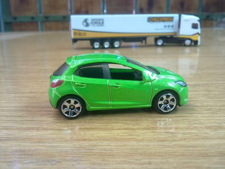 Honda Civic Type R y Mazda 2 162819_1730423338442_1174256681_31974960_1782846_n