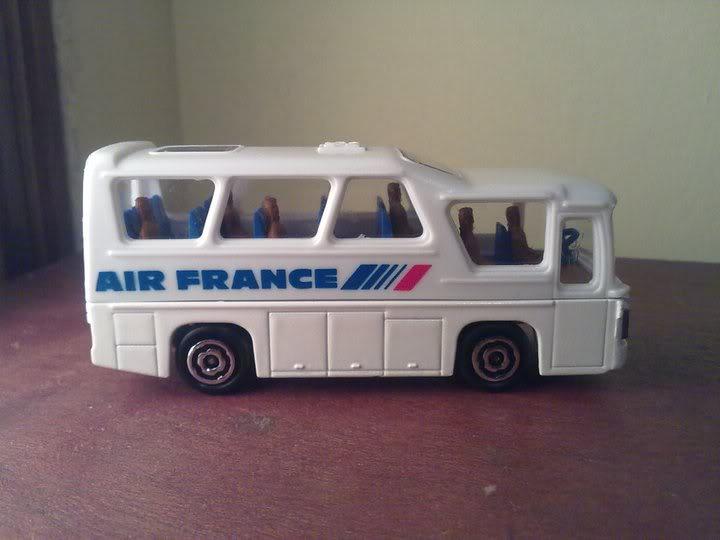 Bus de Air France... 76226_1681034543753_1174256681_31880571_568357_n
