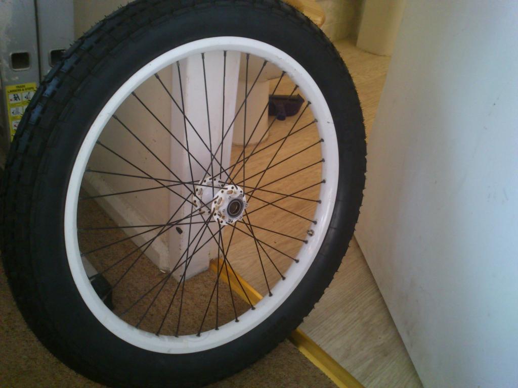 -El post de las Ruedas de Moto que nos quepan en las bicis- DSC_1028