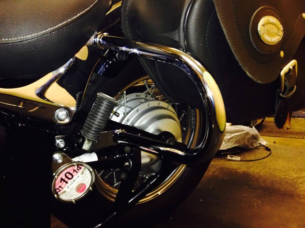 Rear crash bars fitted ............................  2004 Suzuki VL800 Image-2