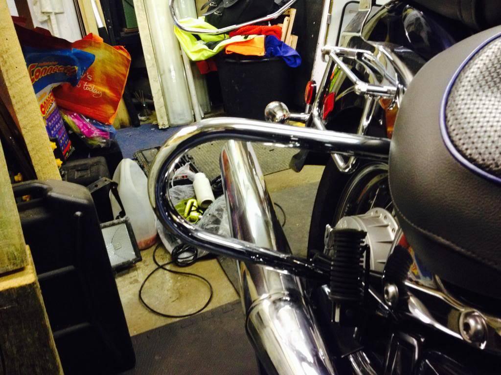 Rear crash bars fitted ............................  2004 Suzuki VL800 Image-3