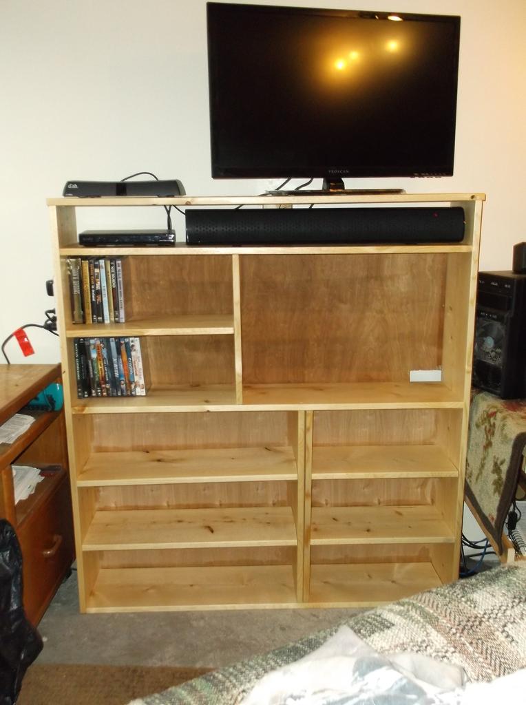 Shelf for TV and Aquarium stand that I built DSCF8129