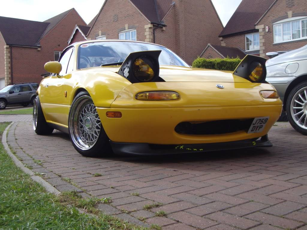 Tom's yellow Eunos project DSC00885