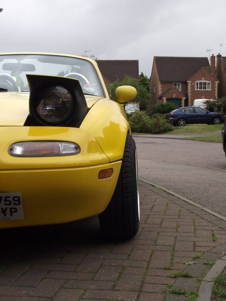 Tom's yellow Eunos project DSCF4382