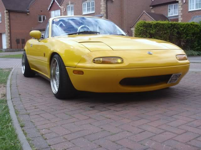Tom's yellow Eunos project P9140310