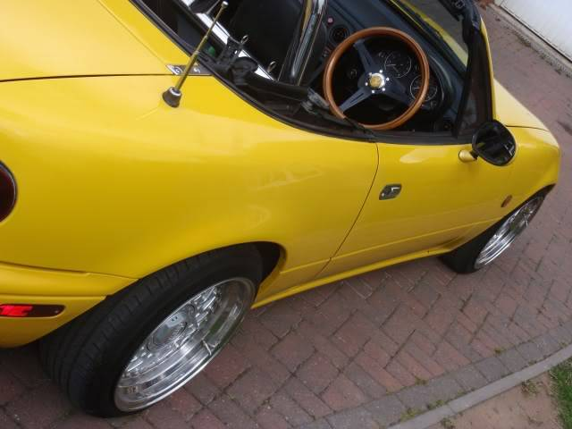 Tom's yellow Eunos project P9140313