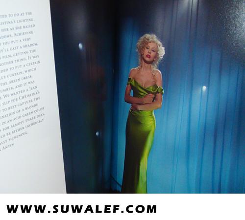 [Tema Oficial] Libro de Burlesque: Cher deja Comentario a Xtina! + Pics del libro!!! - Página 2 54fvf