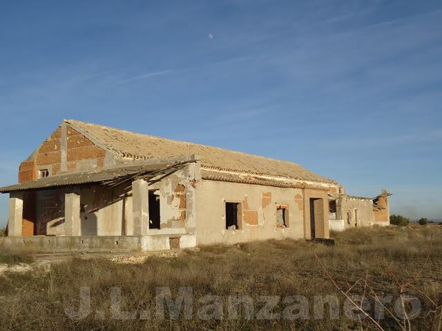 Visitas a lugares abandonados en Mobylette 10