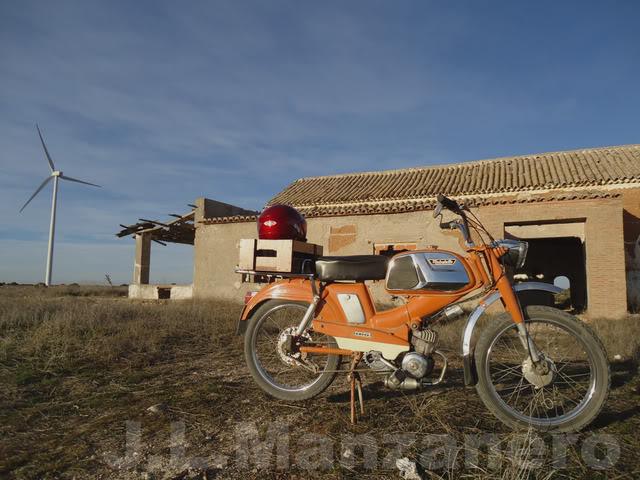 Visitas a lugares abandonados en Mobylette 11
