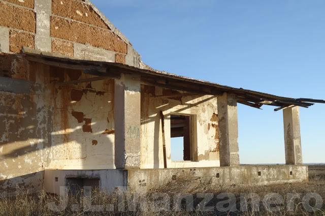 Visitas a lugares abandonados en Mobylette 9