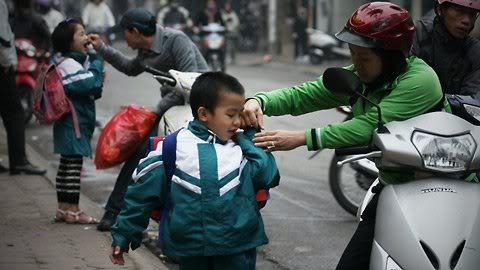 Cận cảnh những kiểu đến trường của học sinh Việt 120103HDdihoc01
