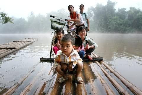Cận cảnh những kiểu đến trường của học sinh Việt 120103HDdihoc06