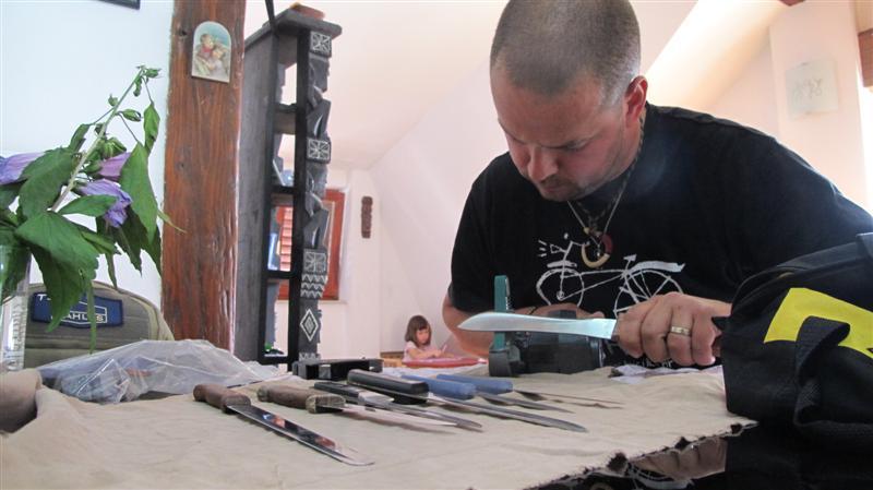 WORK SHARP ručni belt grinder IMG_8492Medium_zps209b9967