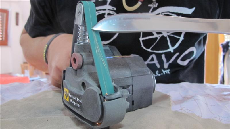 WORK SHARP ručni belt grinder IMG_8504Medium_zps809b02c9