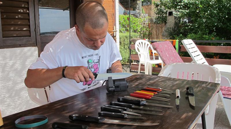 WORK SHARP ručni belt grinder IMG_7519Medium_zps900de72b
