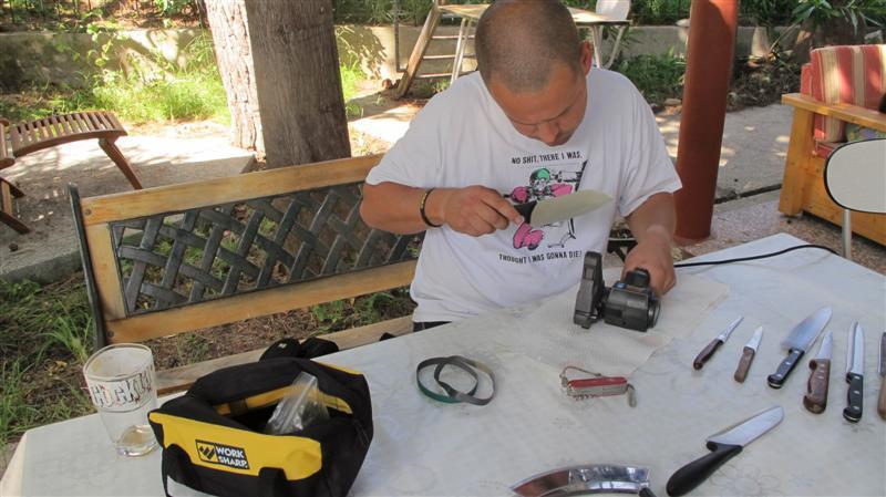WORK SHARP ručni belt grinder IMG_7536Medium_zpsacbed10b