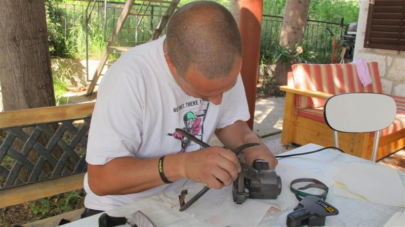 WORK SHARP ručni belt grinder IMG_7544Medium_zps59352afa
