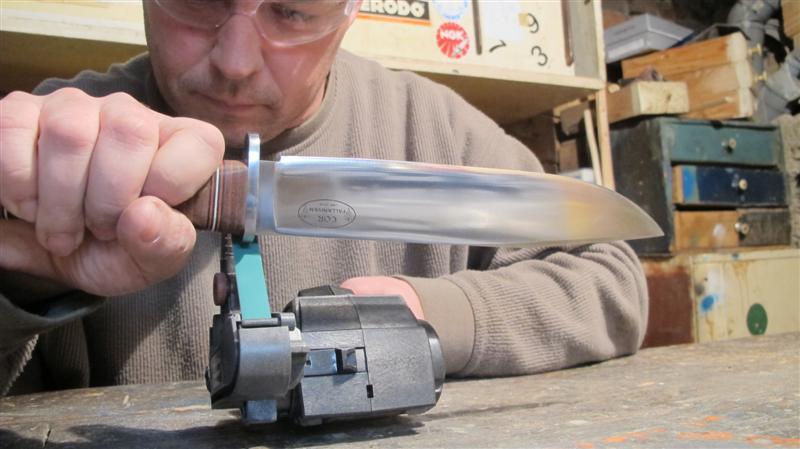 WORK SHARP ručni belt grinder IMG_5381Medium_zps8a210d75