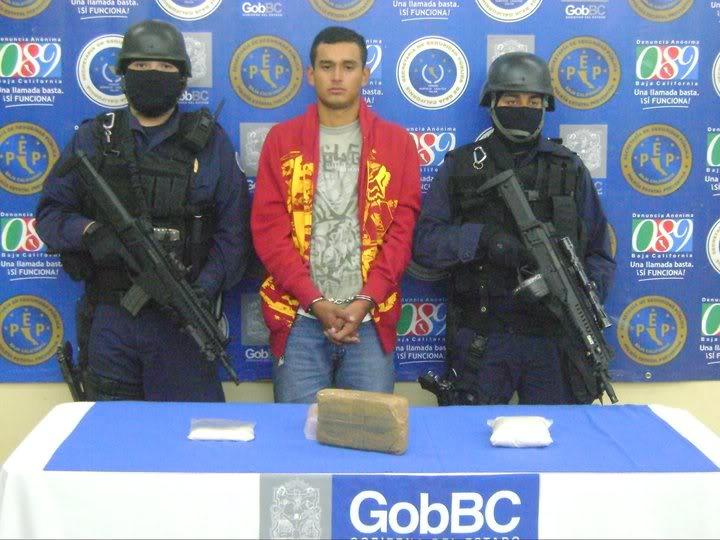 Beretta ARX-160 calibre 5.56x45mm en México 155764_166731493362624_100000773234401_293618_4054003_n