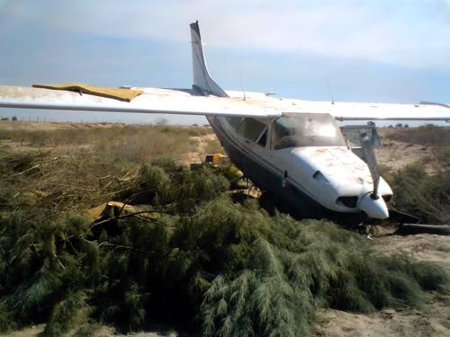 mexicali - Cae avioneta sospechosa en el Valle de Mexicali 21/Junio/2011 Avioneta-3