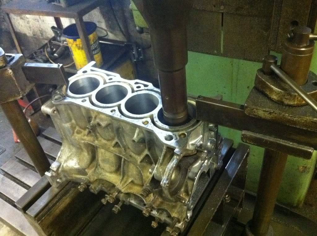 Engine Rebuild (update march) - Page 2 193154_10150451198960338_791010337_17649447_4624026_o