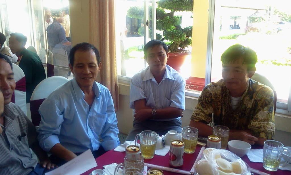 Hình ảnh cựu HV khóa 7 họp mặt kỷ niệm 25 năm tốt nghiệp SQLQ2 2012-09-09103635b