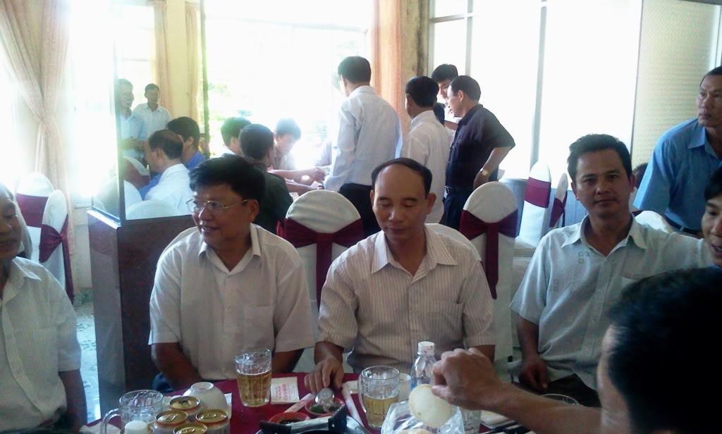 Hình ảnh cựu HV khóa 7 họp mặt kỷ niệm 25 năm tốt nghiệp SQLQ2 2012-09-09103823