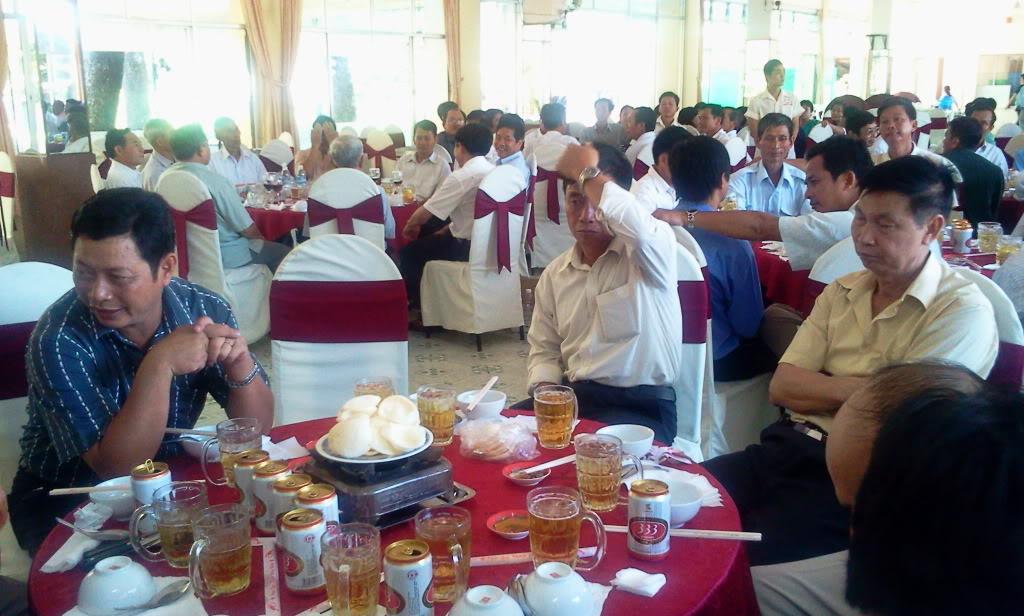 Hình ảnh cựu HV khóa 7 họp mặt kỷ niệm 25 năm tốt nghiệp SQLQ2 2012-09-09105137